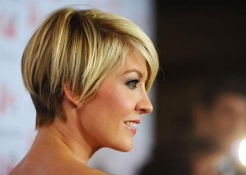 Short haircut layers Jenna Elfman