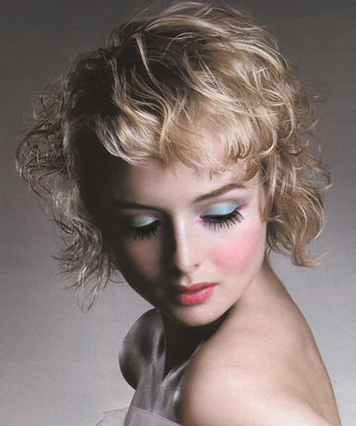 Cute Short Wavy Haircuts. Short wavy hair styles for ladies are very trendy.