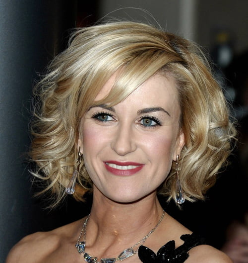 Short Wavy Hair Cuts For Women Over 50