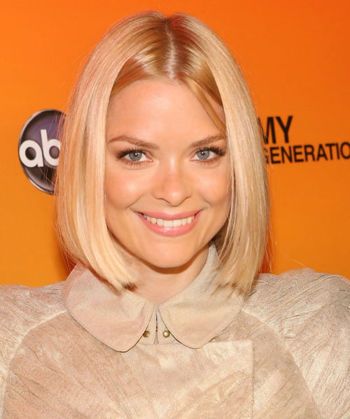 Short sleek center parted bob hairstyle from Jaime King
