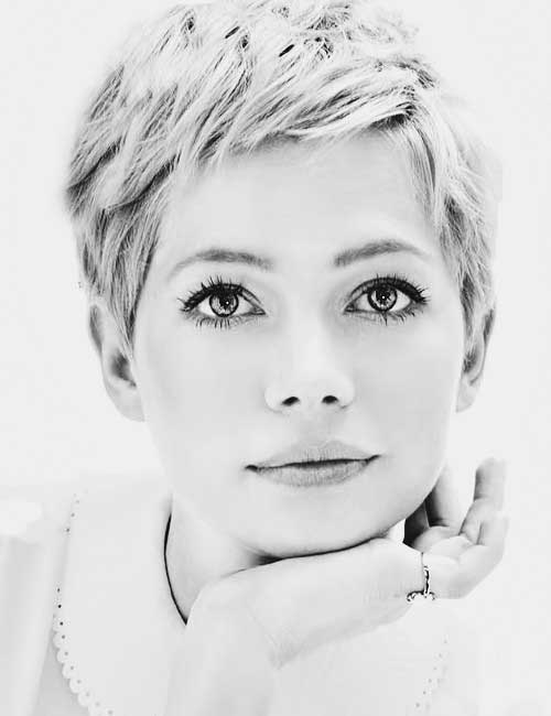 Chic short haircuts for women from Michelle Williams.