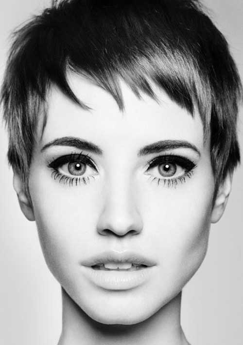 Pixie haircuts are the best to look cute. This model of hair makes