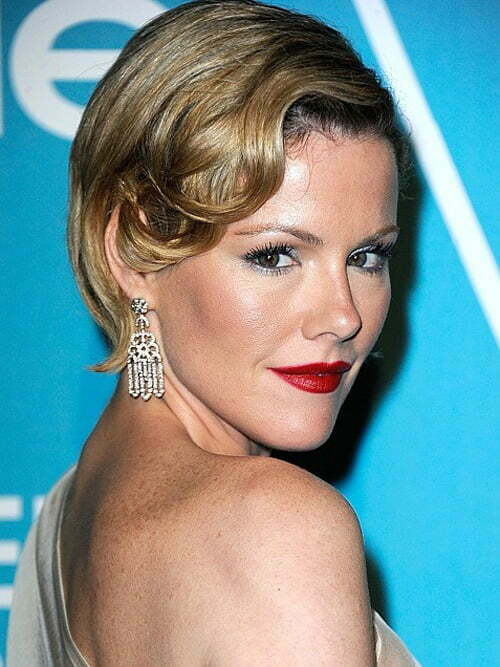 Kathleen Robertson Short Haircut 2012