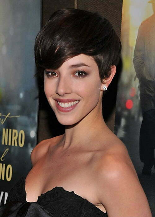 Pics of short layered hairstyles with bangs