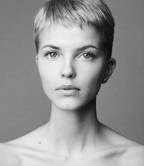 Charlize Theron cute pixie cropped haircut