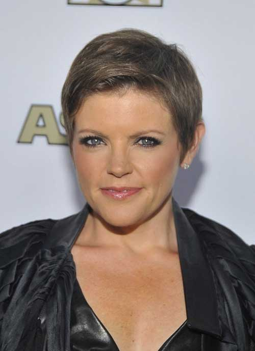 is a good short cropped pixie hairstyle for ladies to be used in 2013