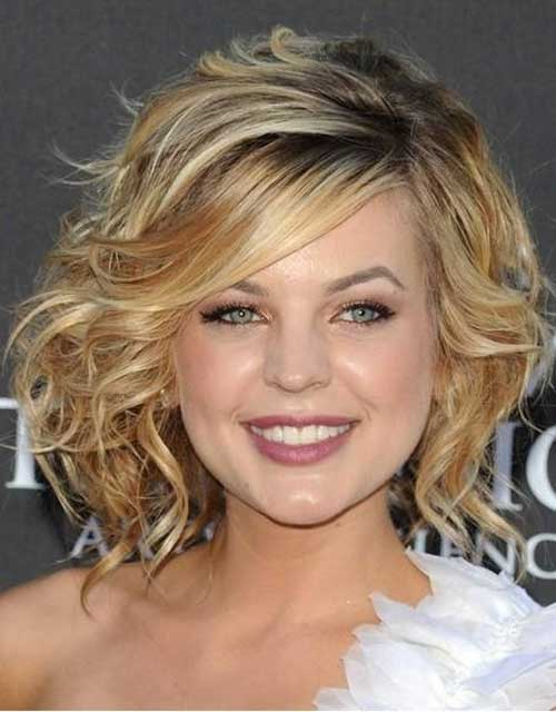 Short Hairstyles 2012 For Wavy Hair