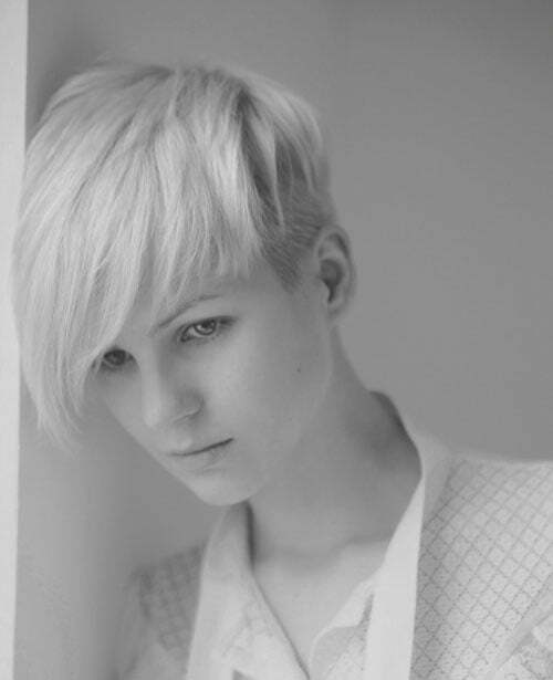 Best short haircut for oval face