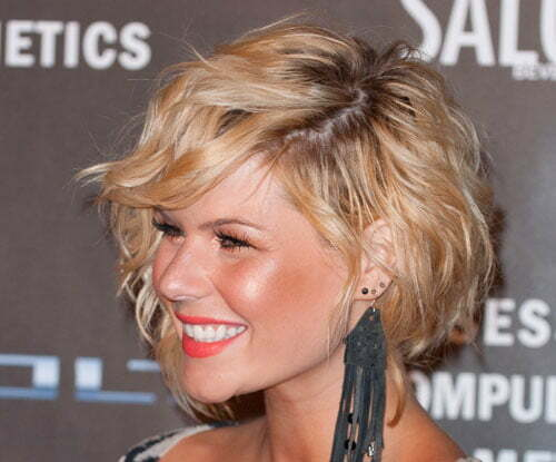 Kimberly Caldwell short wavy hairstyles