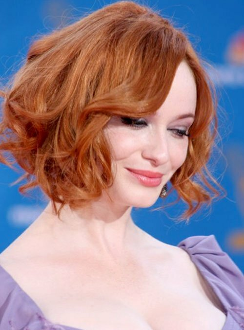 Christina Hendricks short wavy bob haircut