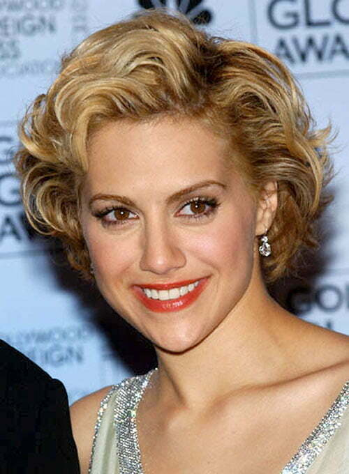 Celebrity short wavy hairstyles 2012