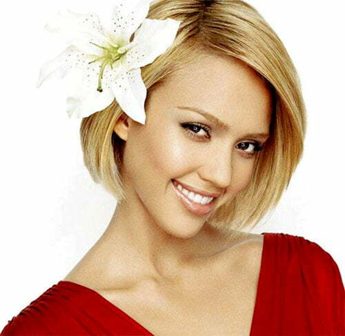 Jessica Alba straight short hair
