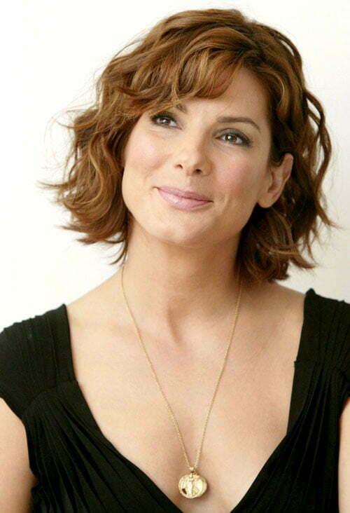 Sandra Bullock Short Wavy Hair Pictures