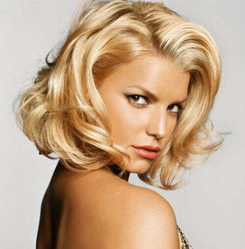 Jessica Simpson short wavy hair photo