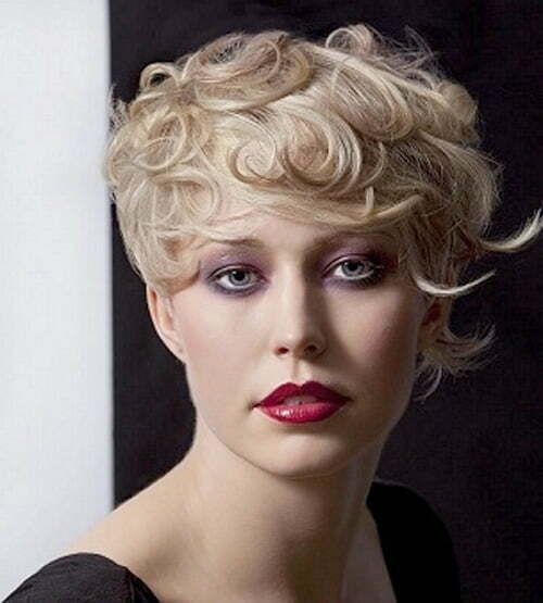 Popular haircuts for curly hair 2013