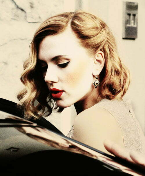 Scarlett Johansson short curly hair