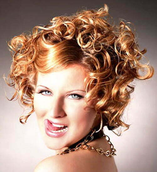 Short haircuts for curly hair pictures