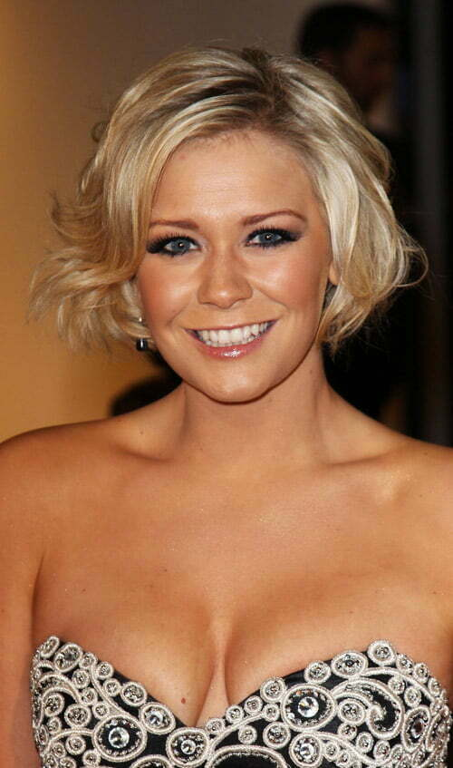 Short hair styles for wavy hair women