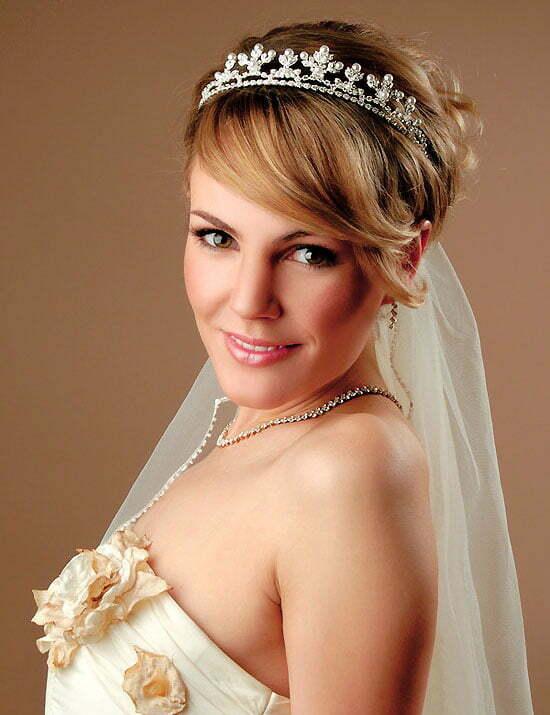 Peachy Penteados Com Tiara Tiaras Wedding Hairstyles Veil And Long Hairstyles For Women Draintrainus