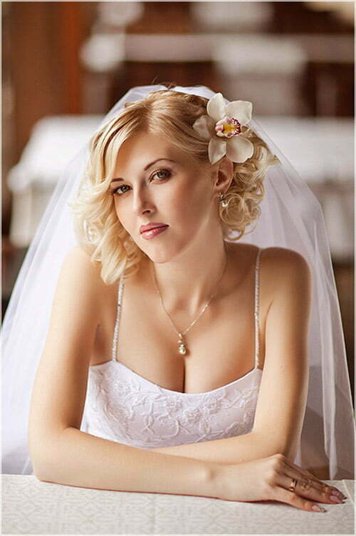 25 best wedding hairstyles for short hair 2012 2013. Black Bedroom Furniture Sets. Home Design Ideas