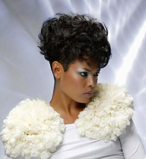 Haircut for curly hair in black women