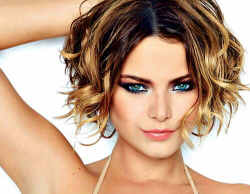 Popular haircuts for wavy hair 2013