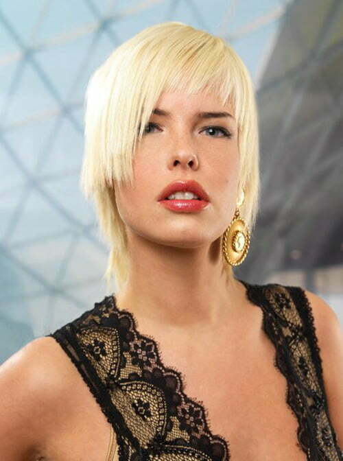 Short haircuts for women with long necks