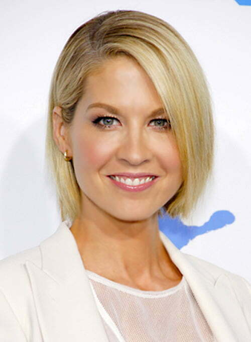 Jenna Elfman short straight hair pictures