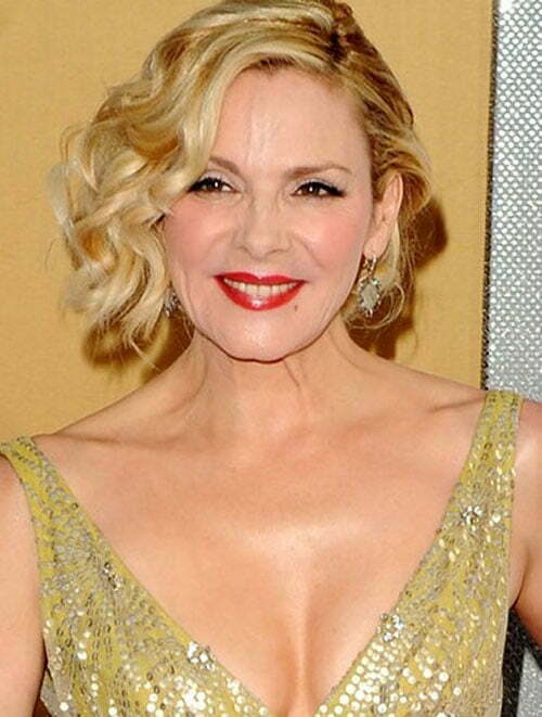 Kim Cattrall short wavy blonde hairstyles