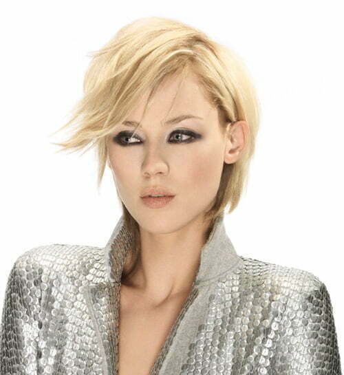 Short hairstyles for round faces 2013 women