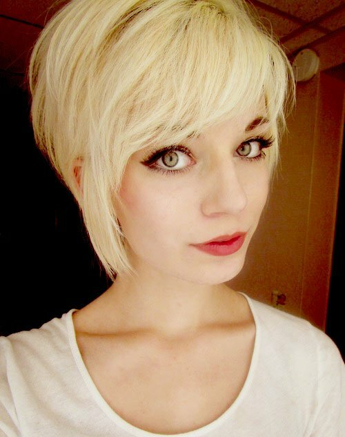 Asymmetric blonde haircuts for girls