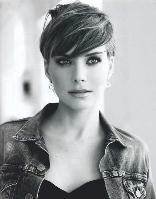 Best short hairstyle for oval faces