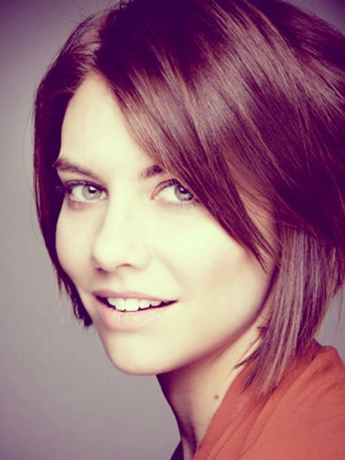 Lauren Cohan short straight hair