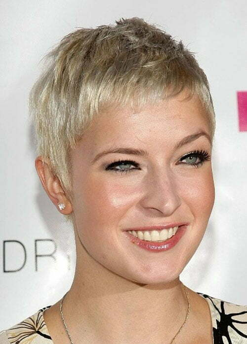 Cute hairstyles for short blonde hair