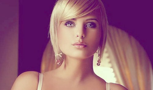 Good hairstyles for short straight hair