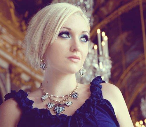 Hairstyles for short blonde hair women