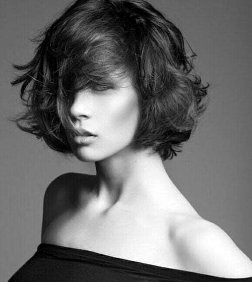 Short messy hairstyles for wavy hair