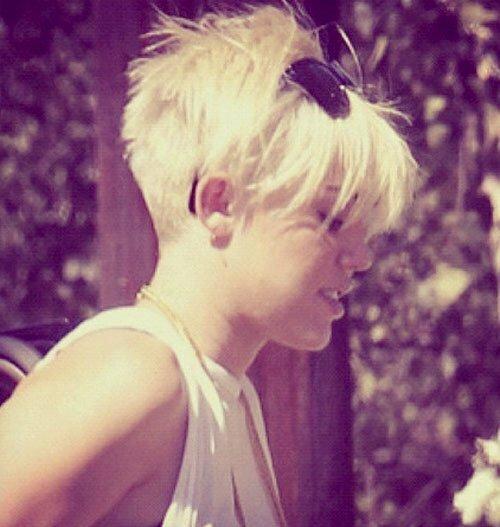 Miley Cyrus short blonde haircut