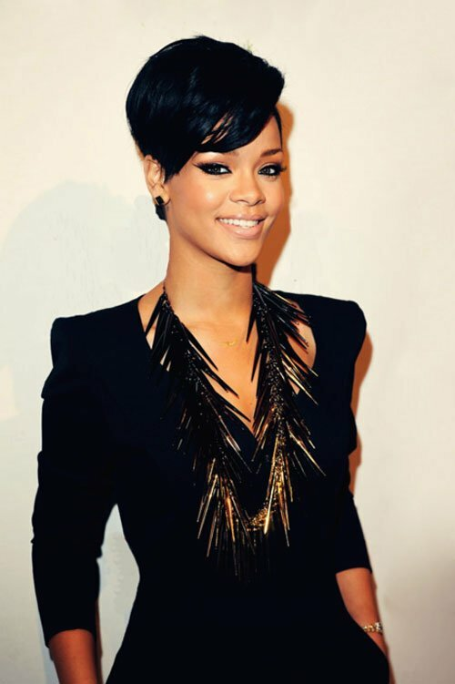 Cute short black hairstyle for women