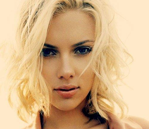 Scarlett Johansson short curly hair photos