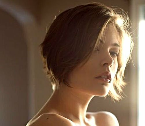 Short hairstyles for oval faces and wavy hair