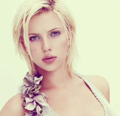Scarlett Johansson short straight hair
