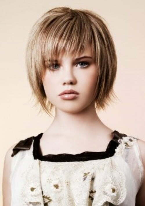 Short layered straight hairstyles women