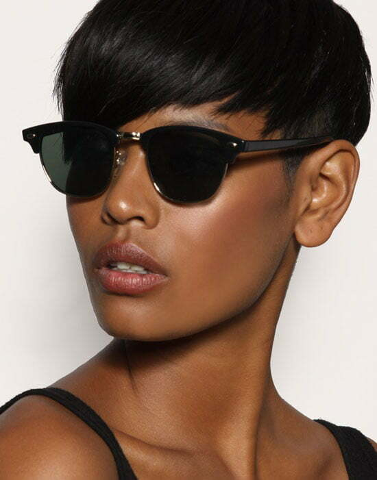 Black Women also followed the trendy short haircut with bangs.