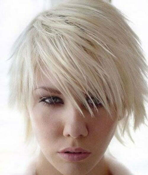 Short layered haircut for women
