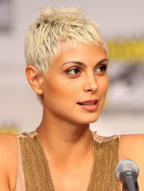 Morena Baccarin short blonde hairstyle