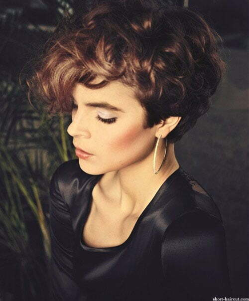 very short curly hairstyles women