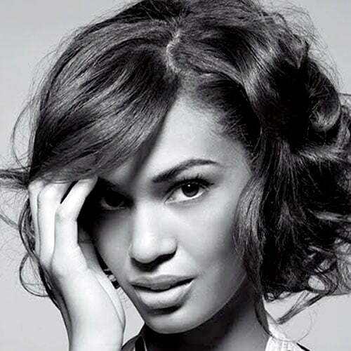 Hairstyles for short curly hair for black women