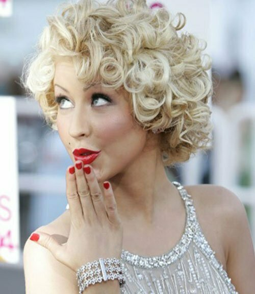 25 Short Curly Haircuts-9