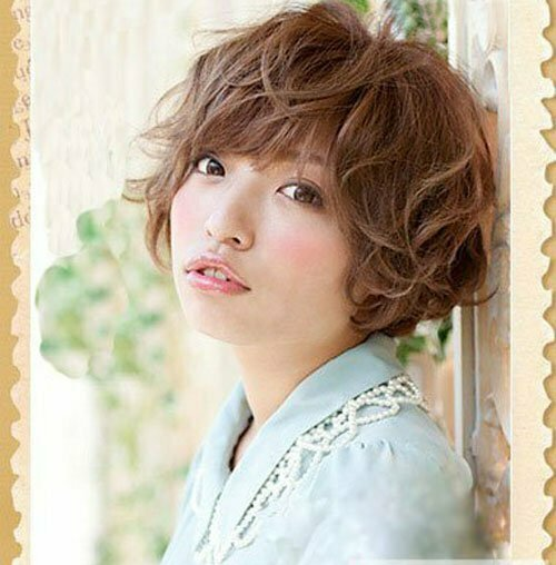 Asian Short Hairstyles for Women-2